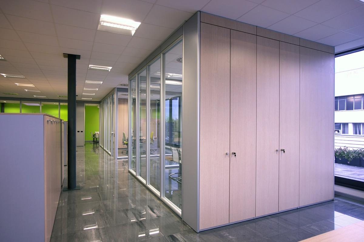 Pareti mobili pareti divisorie pareti attrezzate per ufficio for Pareti attrezzate economiche
